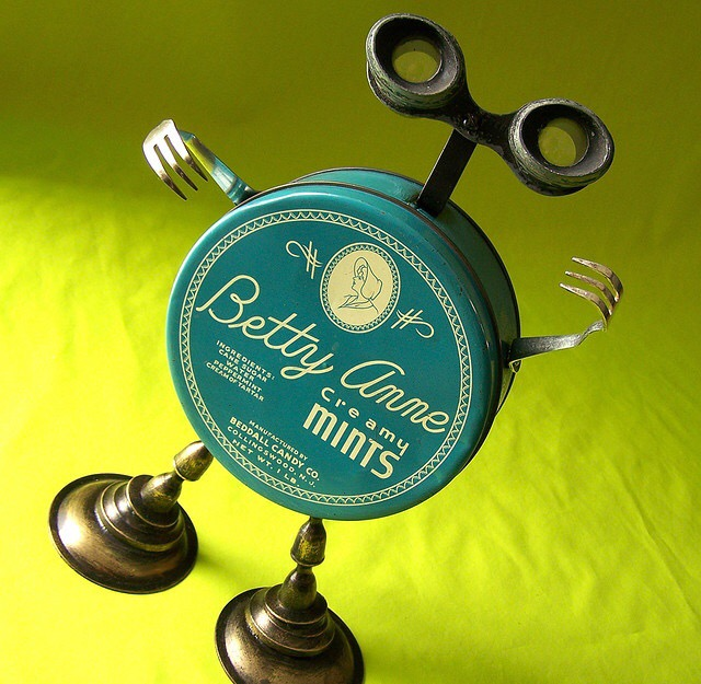 15 Cool Upcycled Robots